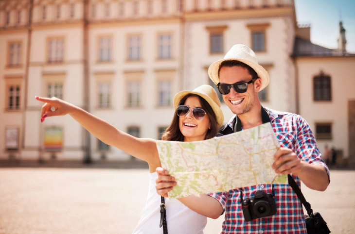 11 признаков туриста в разных странах мира